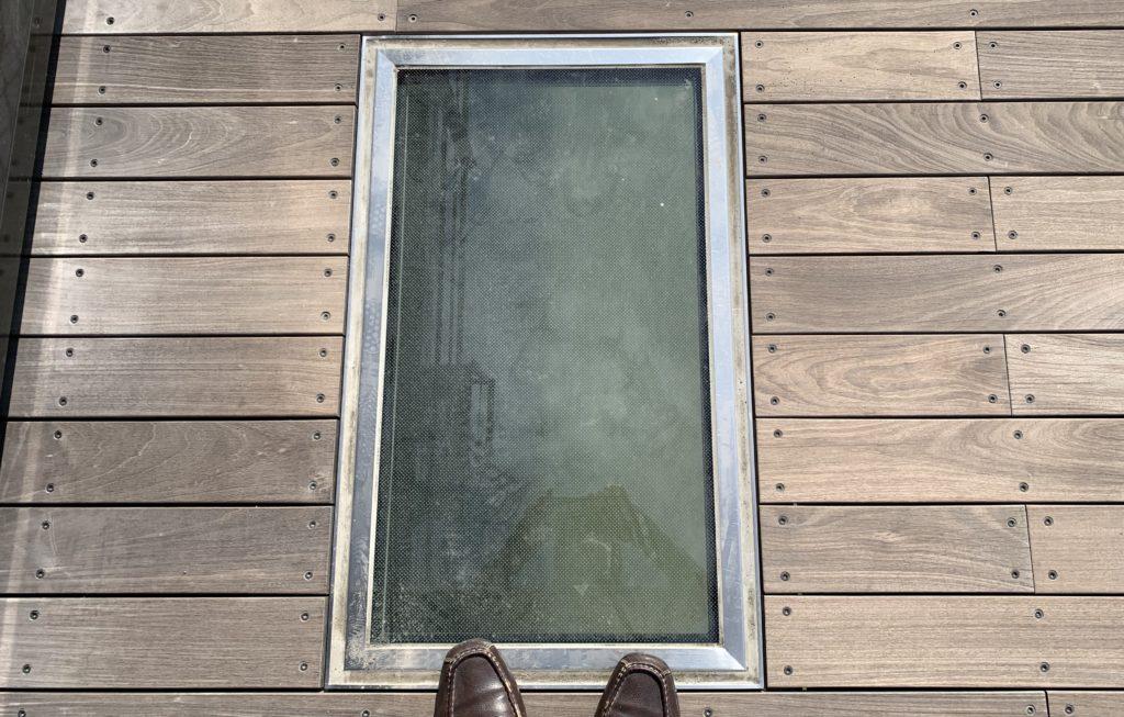 すみだリバーウォークののぞき窓